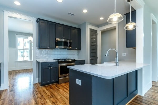 Lot 1298 Kitchen.jpg